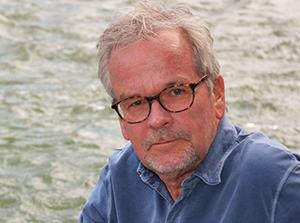 Dr. Ulf Riker